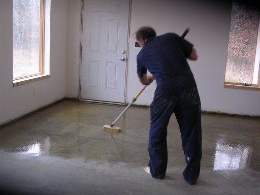 Iron sulphate concrete stain for Scrubbing concrete floors